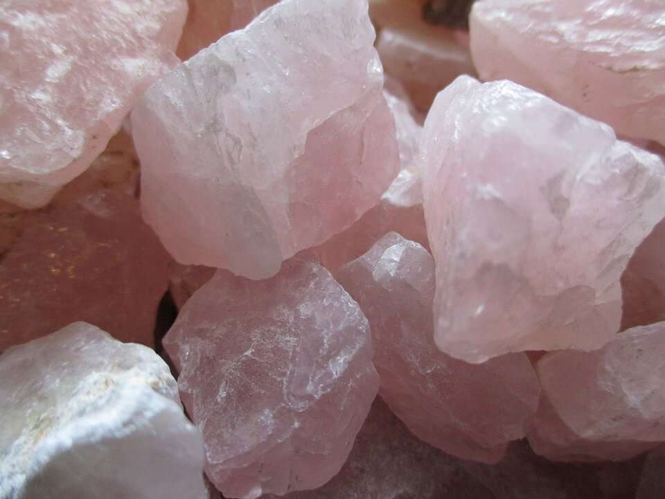 rose quartz affirmations
